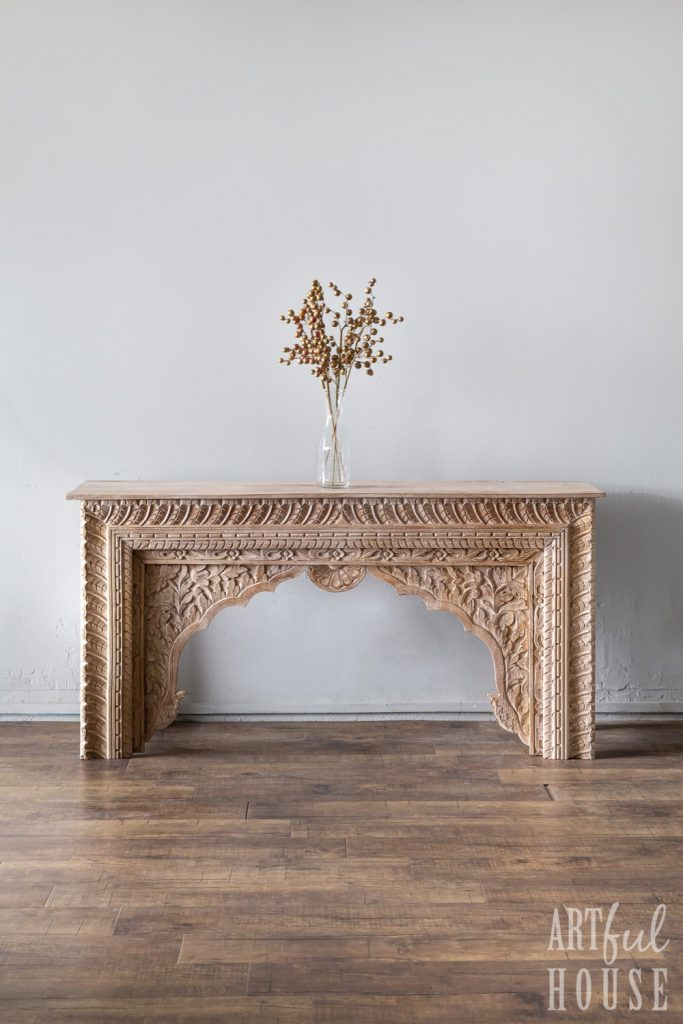 Arch style console
